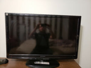 Like new Dynex 42inch lcd flat screen tv