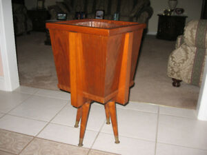 Flower Pot Stand For Sale!