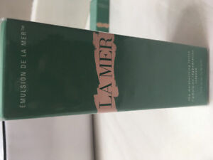 La Mer the  moisurizing lotion brand new sealed in a box