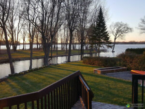 Cosy House by the Water (Open House April 15 1-4)