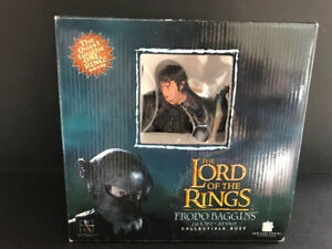 LOTR - Frodo Baggins in Orc Armor Collectible Bust