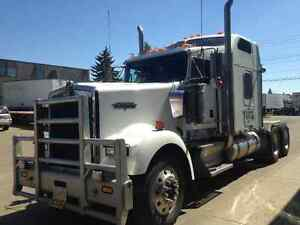 Kenworth W900 - 2007 PRE EMISSIONS $82000 or BEST OFFER - As is.
