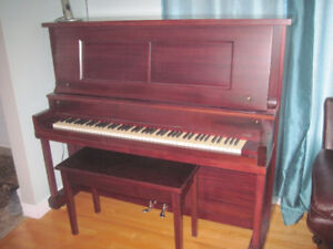 buy or sell pianos keyboards in gatineau musical instruments kijiji classifieds. Black Bedroom Furniture Sets. Home Design Ideas