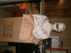 "6 ft"" MUMMY Light up sound & motion activated London Ontario image 2"
