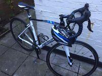 Merida Ride 94 Professional Road Bike & Matching Giro Helmet - as new! £395 for quick sale!