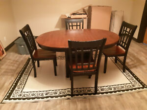 Solid wood dining room table/chairs