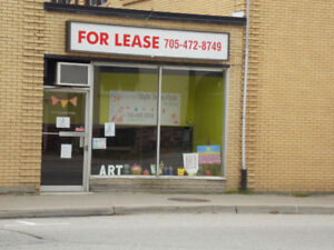 Centrally located retail space available IMMEDIATELY!