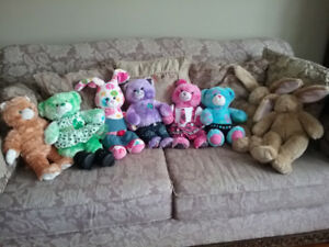 HUGE lot of build a bears and clothes, excellent condition