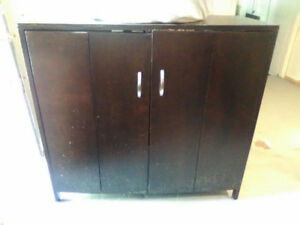 BEAUTIFULL HARDWOOD  TV CABINET  (pick up only)