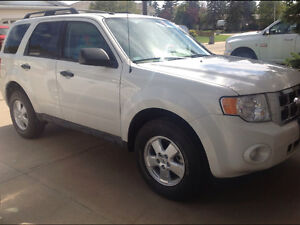 2012 Ford Escape automatic, 47,000 KLM loaded $18,900