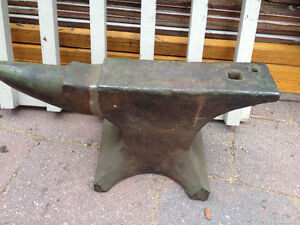 LOOKING TO BUY A BLACKSMITH ANVIL & VISE - ANY SIZE