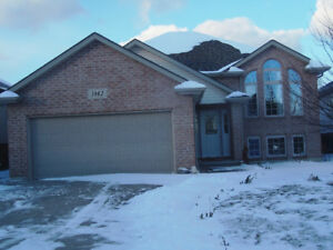 1062 MONARCH MEADOWS, LAKESHORE - OPEN HOUSE SUN JAN 14TH 2-4PM