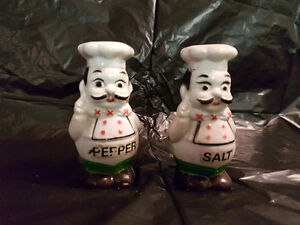 VINTAGE SALT AND PEPPER SHAKERS St. John's Newfoundland image 3