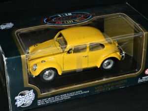 Road Tough 1/18 1967 Volkswagen Beetle Diecast Car