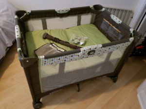 MINT CONDITION USED GRACO PACK N PLAY ON THE GO PLAYARD