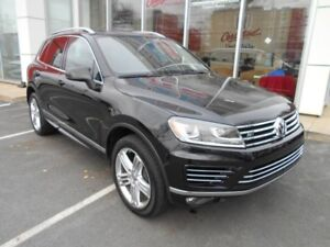 2017 VOLKSWAGEN TOUAREG Execline R-LINE OWN IT FOR $352 B/W