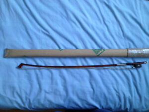 4/4 brazilian cello bow.  Excellente level bow.  Manufactured in
