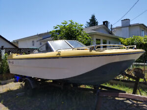 18' Bowrider For Sale