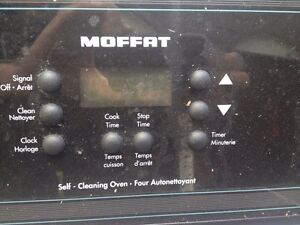 For sale  moffet electric self cleaning stove Windsor Region Ontario image 3
