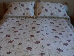 Quilted queen size bedspread and pillow shams