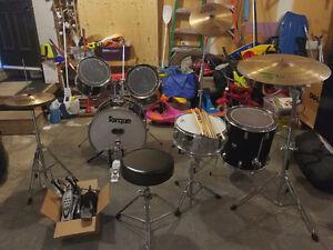 8 pieces Drumset