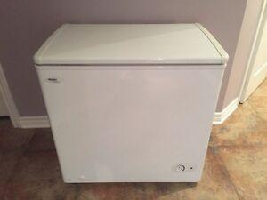 Danby 5.5 cubic feet freezer chest congélateur