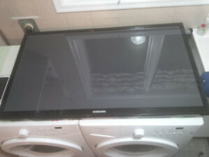 Samsung 51 inch   Plasma TV   ---LCD Screen is Damaged---