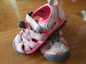 girls keen sandals size 8
