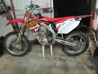 2008 crf 450,mint condition, new motor, has papers, 3800$