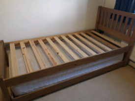 Single bed with Trundle bed