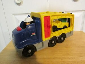 Camion sonore + chauffeur de Fisher-Price