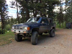 1984 Toyota extra cab 4x4 lifted