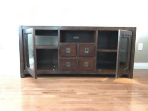 ENTERTAINMENT UNIT FOR FLAT SCREEN TV REDDISH BROWNISH IN COLOUR