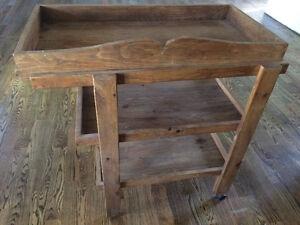 Table à langer faite par ébéniste
