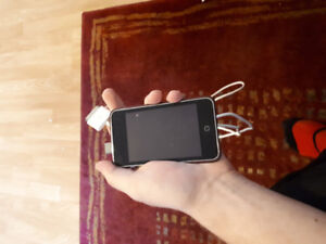 8GB iPod Touch w/charger
