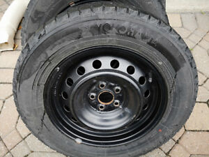 Yokohama Ice Guard IG20 195/65 R15 91R Winter Tires and Like New