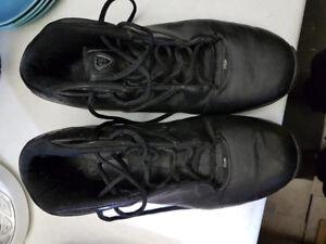Men's Reebok ATR Basketball Shoes - Size 9.5