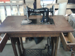 Antique Sewing Machine, Chair, Baskets, Lady's hats