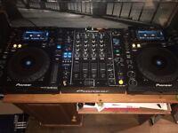 2 x Pioneer CDJ 900 Nexus plus Pioneer DJM 850k Mixer