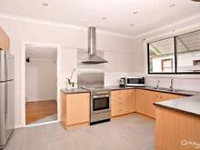 $170 Large room for single only in Seven Hills CLOSE Station Seven Hills Blacktown Area Preview
