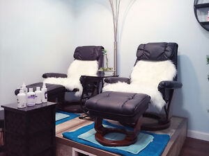 Rooms for rent in Full Service Salon