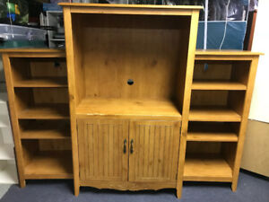 FREE!!!! TV Wall unit
