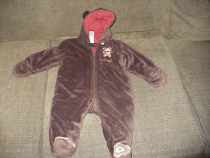 Baby Boy Snowsuit Size 9 Months London Ontario image 1
