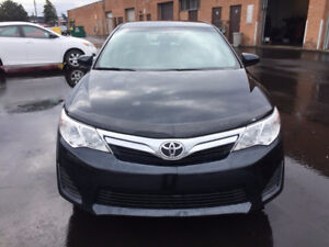 2014 Toyota Camry LE 100% accident free, certified, camera