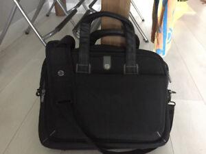 HP laptop bag / 17 inch