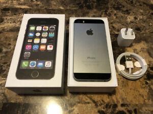 Unlocked Space Grey Apple iPhone 5S 16 GB