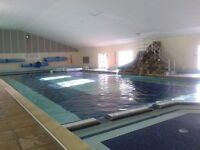 Lovely 2 bed holiday bungalow at Hengar Manor lovely location in front of duck pond