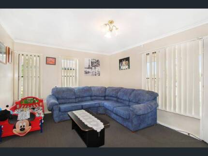 House and/or Room for rent in Tamworth - Freshly Renovated