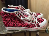 Pink adidas ladies trainers size 7.5 brand new £15