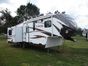 "2013 Keystone Laredo 290SRE........""Rear Living"""